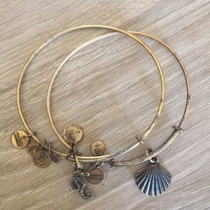Alex and Ani Bracelet Set Seashell and Seahorse